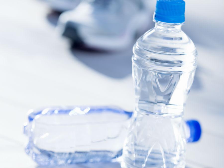 ペットボトルに入ったお水
